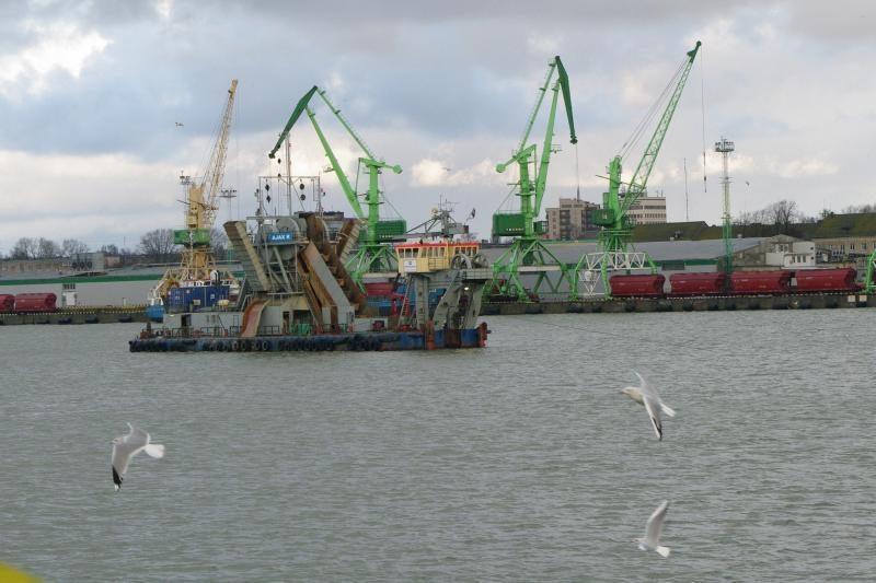 Pradėtas Klaipėdos uosto kanalo gilinimas