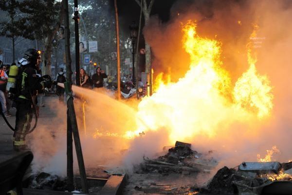 Barselonoje vyko kairiųjų protestuotojų susirėmimai su policija