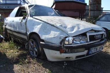 Šilutės r. verčiantis mašinai žuvo vairuotojas
