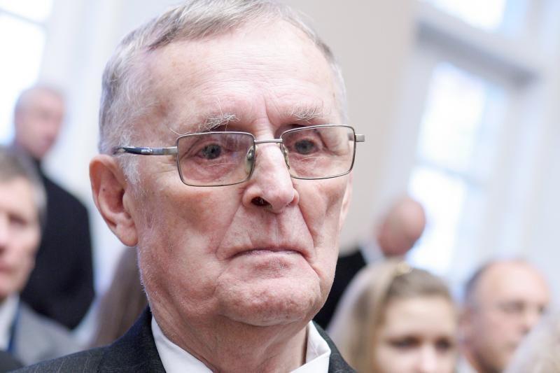 Mirė mikrochirurgijos Lietuvoje pradininkas M.Vitkus