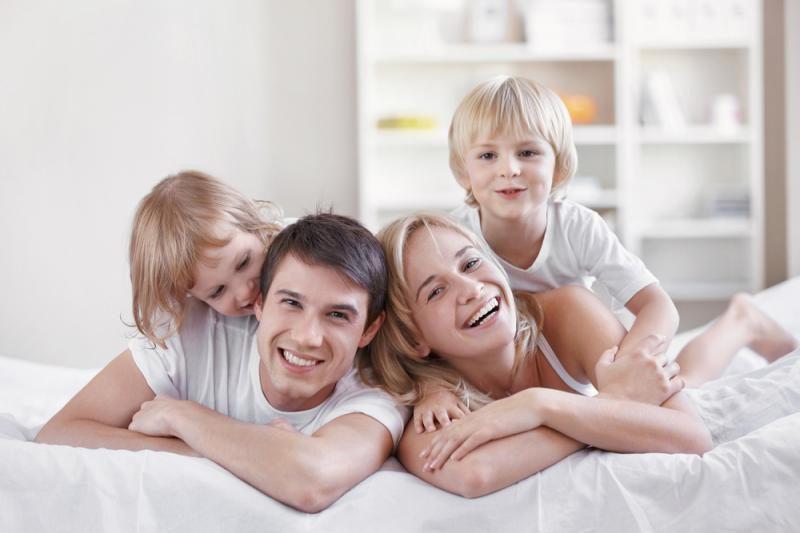 Nepritarta, kad šeima pirmiausia kildinama iš santuokos