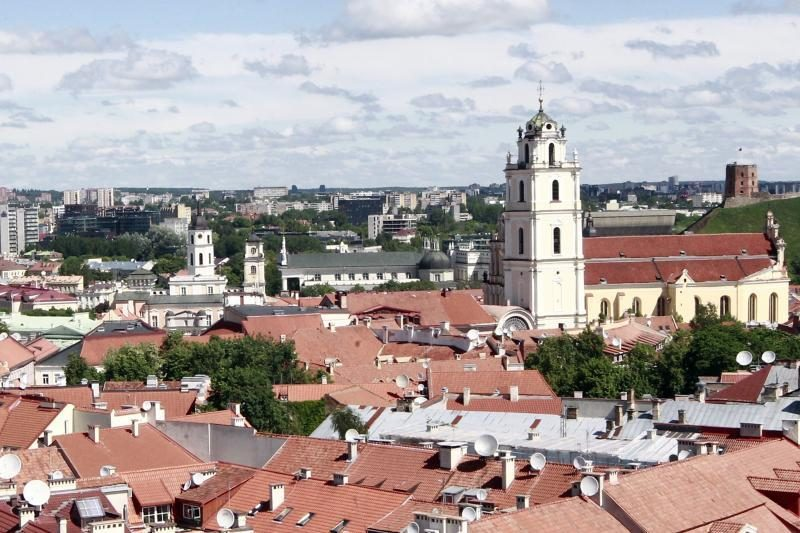 Dangaus restoranas Vilniuje: priešpiečiai 50 m aukštyje