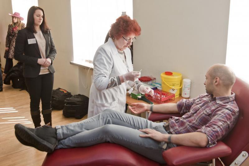 """Akcijos """"Pagalvok, kai perki"""" savanoriai davė kraujo unikaliam tyrimui"""