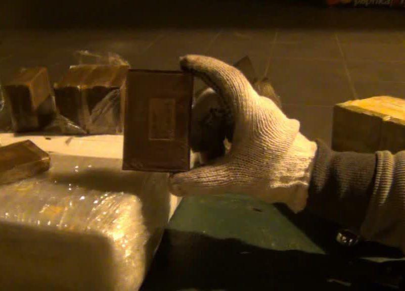 Sulaikyta gauja, įtariama rekordine hašišo kontrabanda