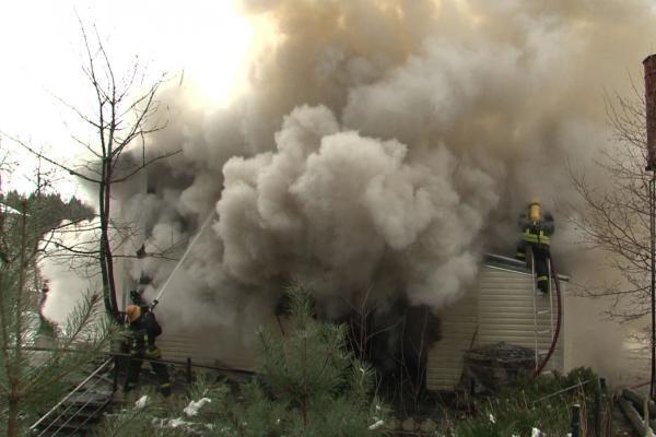 Kretingos rajone degė sodo namas
