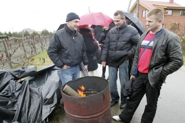 Supanikavę D.Kedžio šalininkai ruošia padangas ir degų skystį (papildyta)