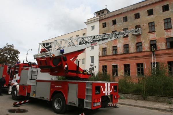 Buvusiame duonos kombinato pastate – gaisras