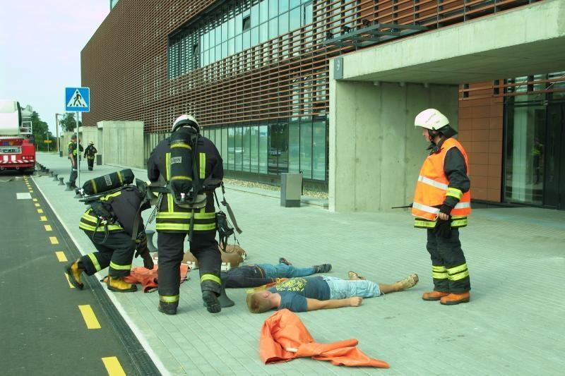 Klaipėdos arenoje – netikras gaisras ir sprogmuo (papildyta nuotraukomis)