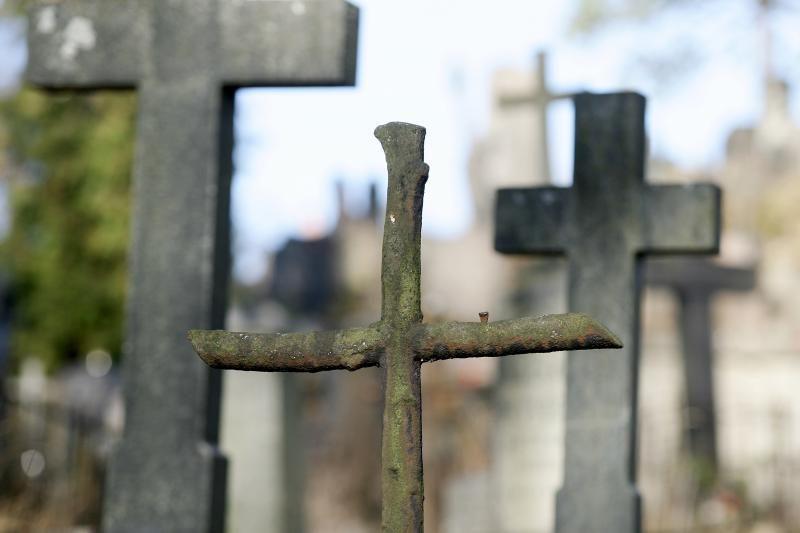 Lietuviai kapų priežiūrą užsisako rečiau
