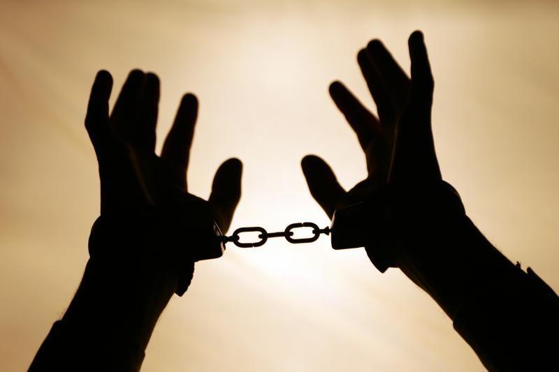 Sulaikytas nusikaltėlių grupuotės narys sutinka būti išduotas Italijai