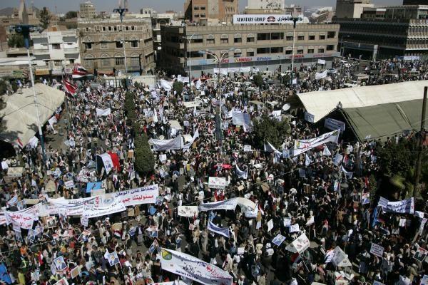 Jemene protestuojantys studentai ragino prezidentą atsistatydinti