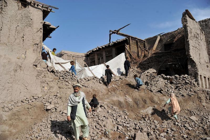 Indonezijoje per žemės drebėjimą sužeista pusšimtis žmonių