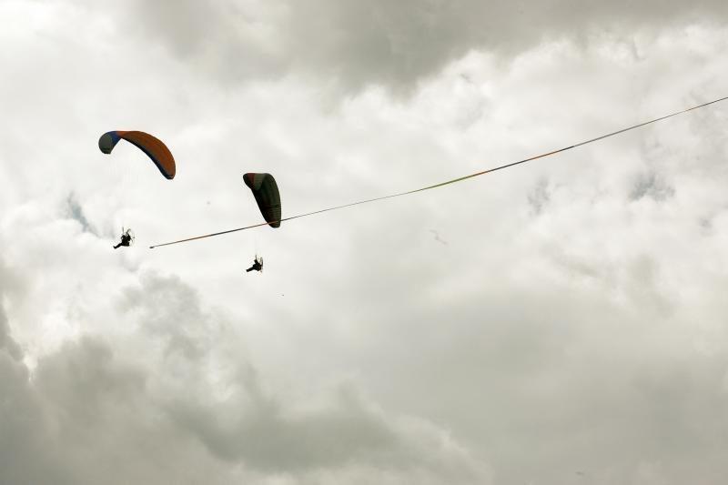 Dangų virš Nemuno salos išmargino orlaiviai