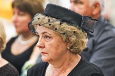 Grupė parlamentarų dėl K.Brazauskienės rentos kreipėsi į teismą