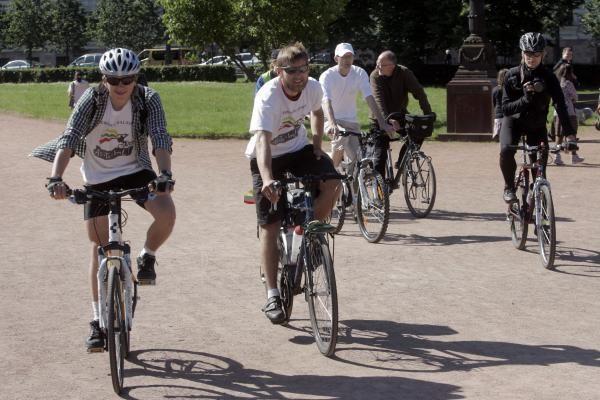 Vilniuje sutikti iš Didžiosios Britanijos dviračiais atvykę lietuviai