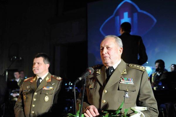 """Kaune pagerbti """"Lietuvos karžygio"""" vardą pelnę kariai ir civiliai"""