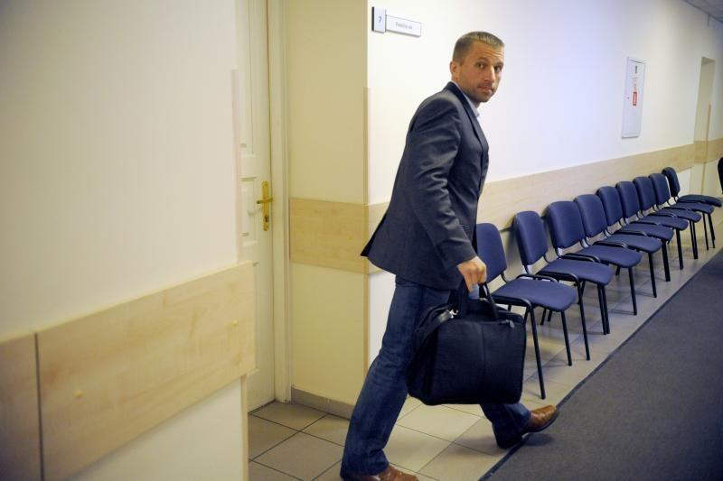 A. Melianas skundžia teismo nutartį grąžinti V. Giržadą į FNTT
