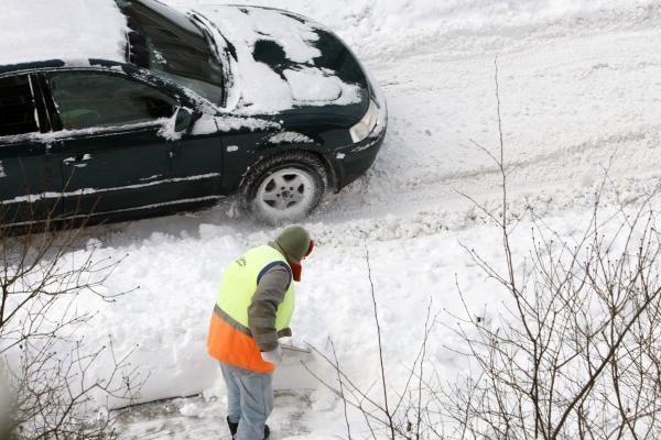 Žiema Klaipėdoje: sniegas vežamas tik iš senamiesčio