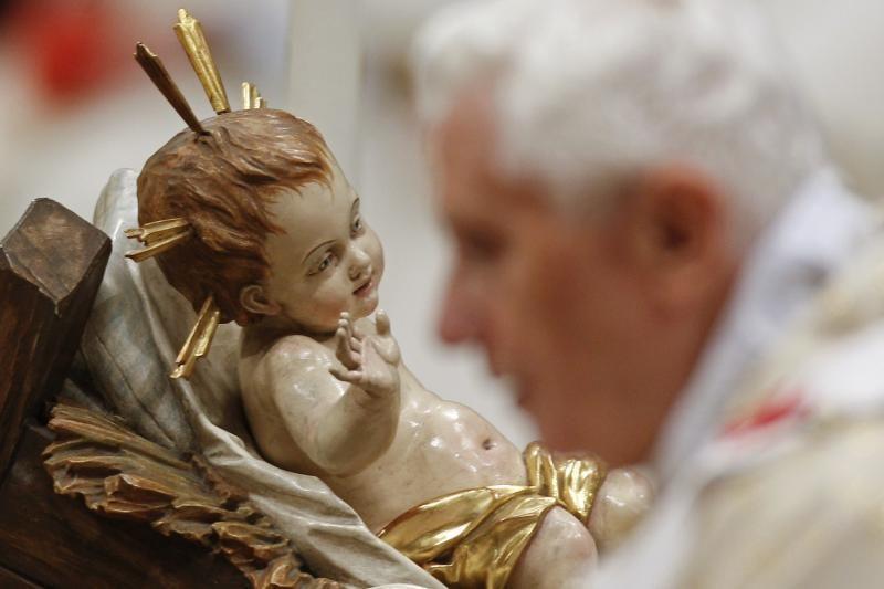 Popiežius ragino už švenčių blizgesio pamatyti Kristaus nusižeminimą
