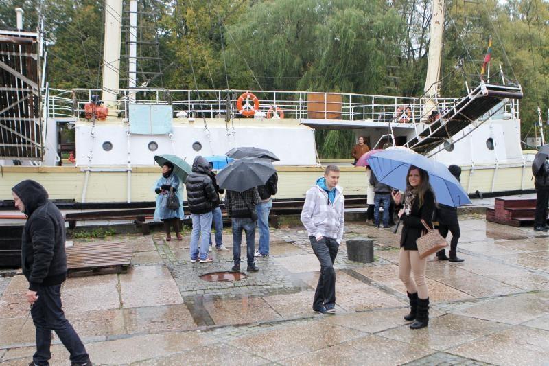 """Burlaivio """"Meridianas"""" saugotojus išvaikė lietus"""