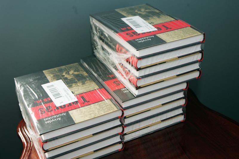 Nauja A.Anušausko knyga primena praeities teroro šešėlius