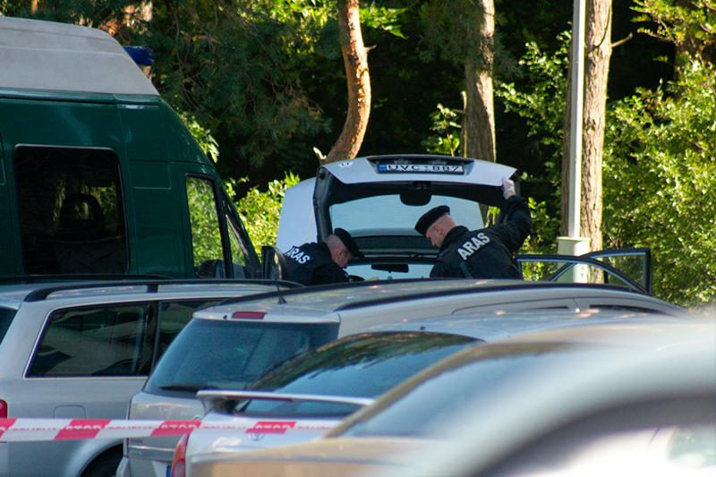 Aktorius namo atsivežė sprogmenį ir iškvietė policiją