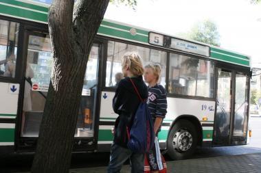 Klaipėdoje iš autobuso iškrito moteris