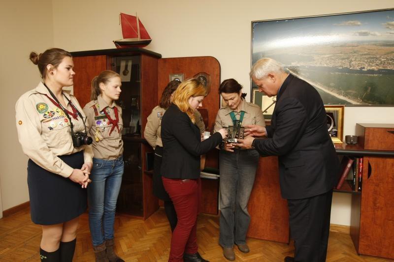 Betliejaus taikos ugnis įteikta Klaipėdos miesto merui