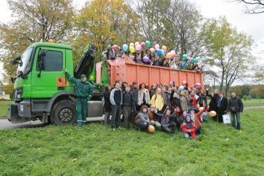 """""""Eko-mokyklos"""" dalyviai surinko 5,2 tonos plastiko"""