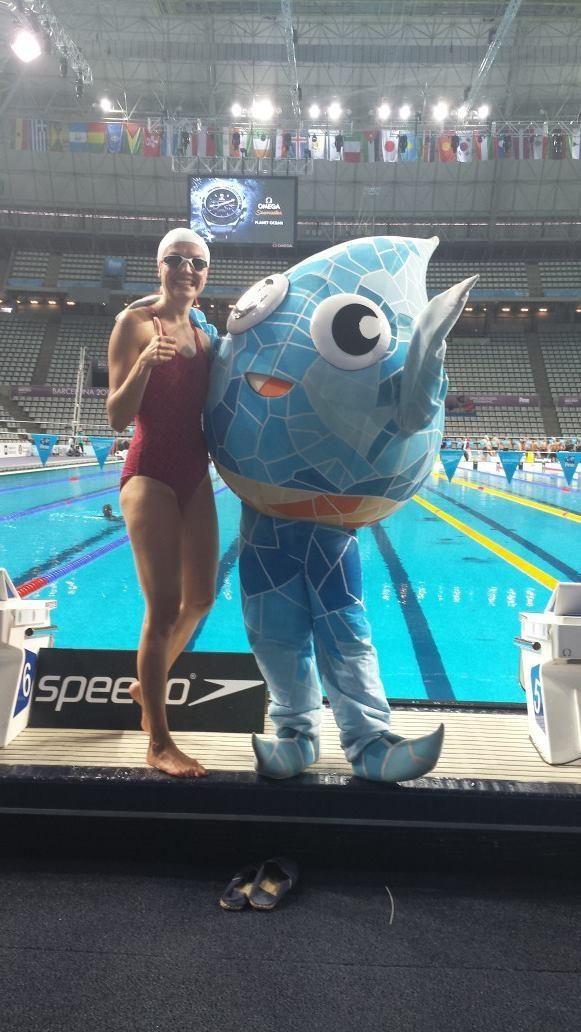 V. Musvydaitė Pasaulio plaukimo čempionatą stebi su R. Meilutytės šeima