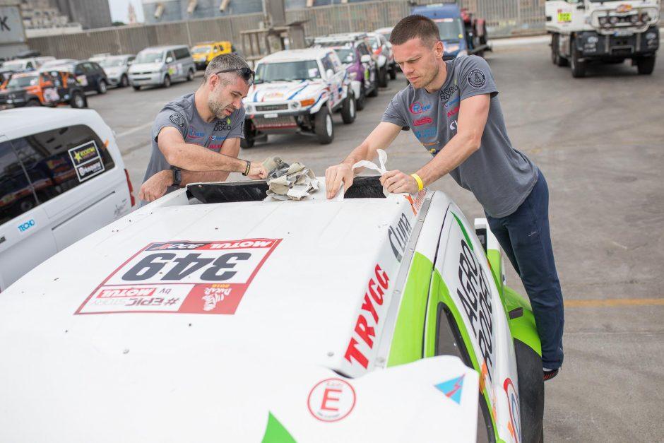 Dakaro ralio dalyviai tikrino savo techniką