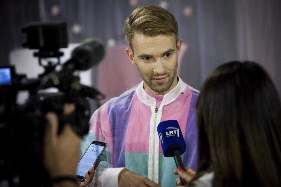 """Nacionalinis Kauno dramos teatras sezoną baigia premjera """"Vietiniai"""""""