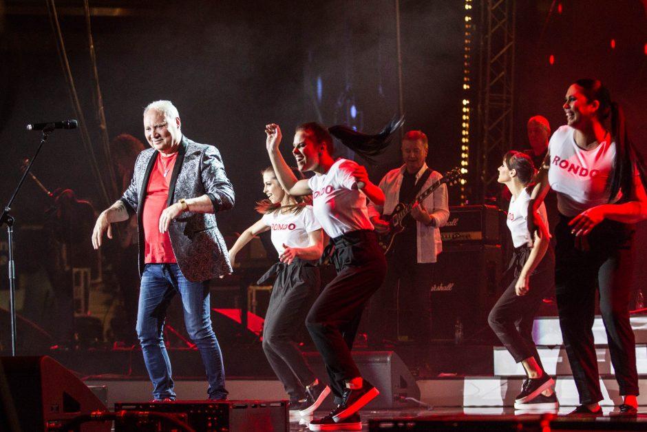 Kas privertė A. Ivanauską-Farą išmokti šokti?