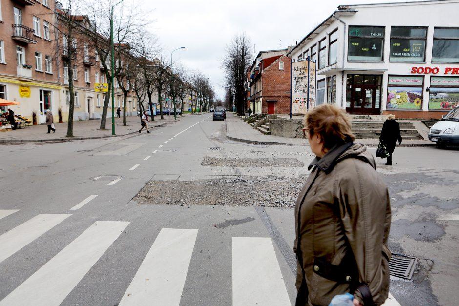 Duobės Sportininkų ir Malūnininkų gatvių sankryžoje užsibuvo per ilgai