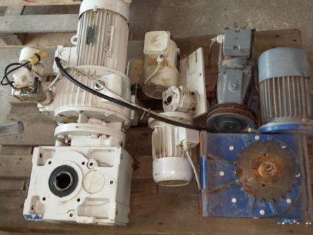 Skelbimas - Elektriniai  varikliai su reduktoriais