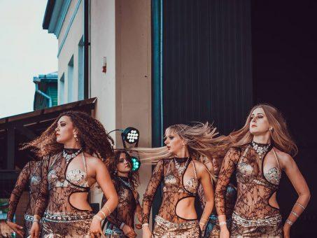 """Skelbimas - Rytietiškų pilvo šokių šou grupė """"Lukum"""" Jūsų šventei."""