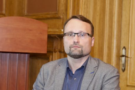 Premjeras į kultūros ministrus siūlo skirti literatūrologą M. Kvietkauską