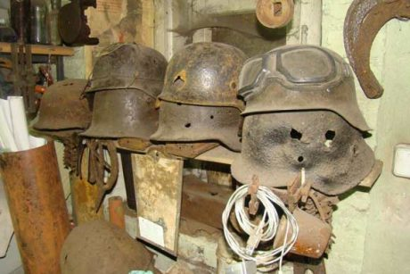 Pradinėje mokykloje rasta tūkstančiai Antrojo pasaulinio karo laikų ginklų