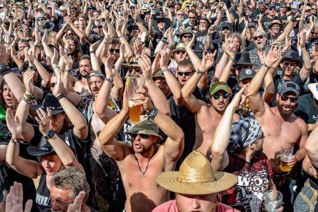 Iš senelių namų pabėgę pagyvenę vyrai rasti sunkiosios muzikos festivalyje