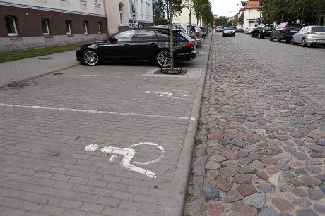 Senamiesčio grindinį pritaikys neįgaliesiems