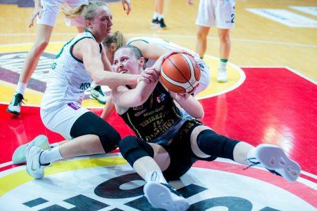 Krepšininkės sieks Karalienės taurės