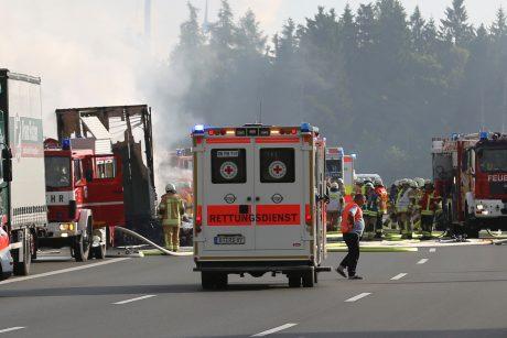 Vokietijoje susidūrus dviem autobusams sužeisti 40 žmonių