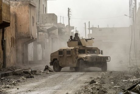 Amerikiečiai: Rusijos aviacija atakavo JAV palaikomas pajėgas rytinėje Sirijoje