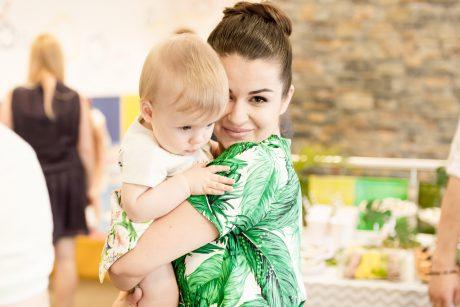 S. Lipnė ir jos trigubas motinystės džiaugsmas