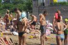 Kauniečiai užplūdo paplūdimius
