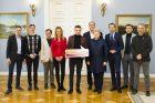"""Prezidentūroje – kampanijos """"Už saugią Lietuvą"""" ambasadoriai"""