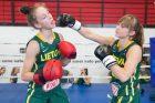 Jaunųjų krepšininkių kovos bokso ringe