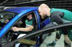 """""""Žalgirio"""" krepšininkai bandė """"Renault"""" automobilius"""