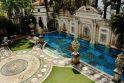 Vila, kurioje nušautas dizaineris G. Versace, bus parduodama aukcione