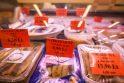 Pasirinkimas: nuo šiandien prekybininkai gali kainas skelbti vien eurais arba, savo noru, ir toliau dviem valiutomis.